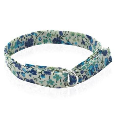 Bracelet de l'amitié en argent et tissu imprimé.