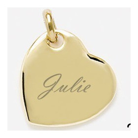 Pendentif coeur plaqué or avec gravure prénom.