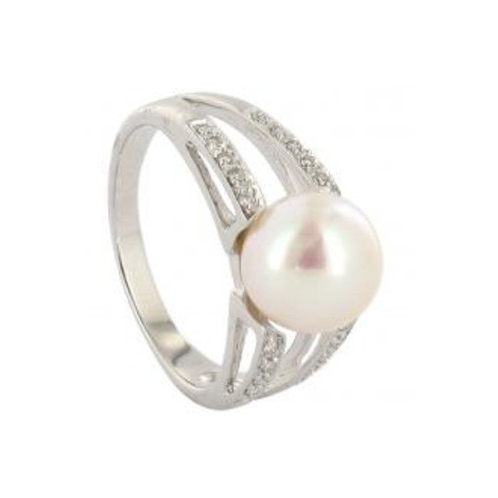 Bague or avec perle Japon et diamants