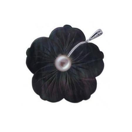 Pendentif fleur de nacre noire